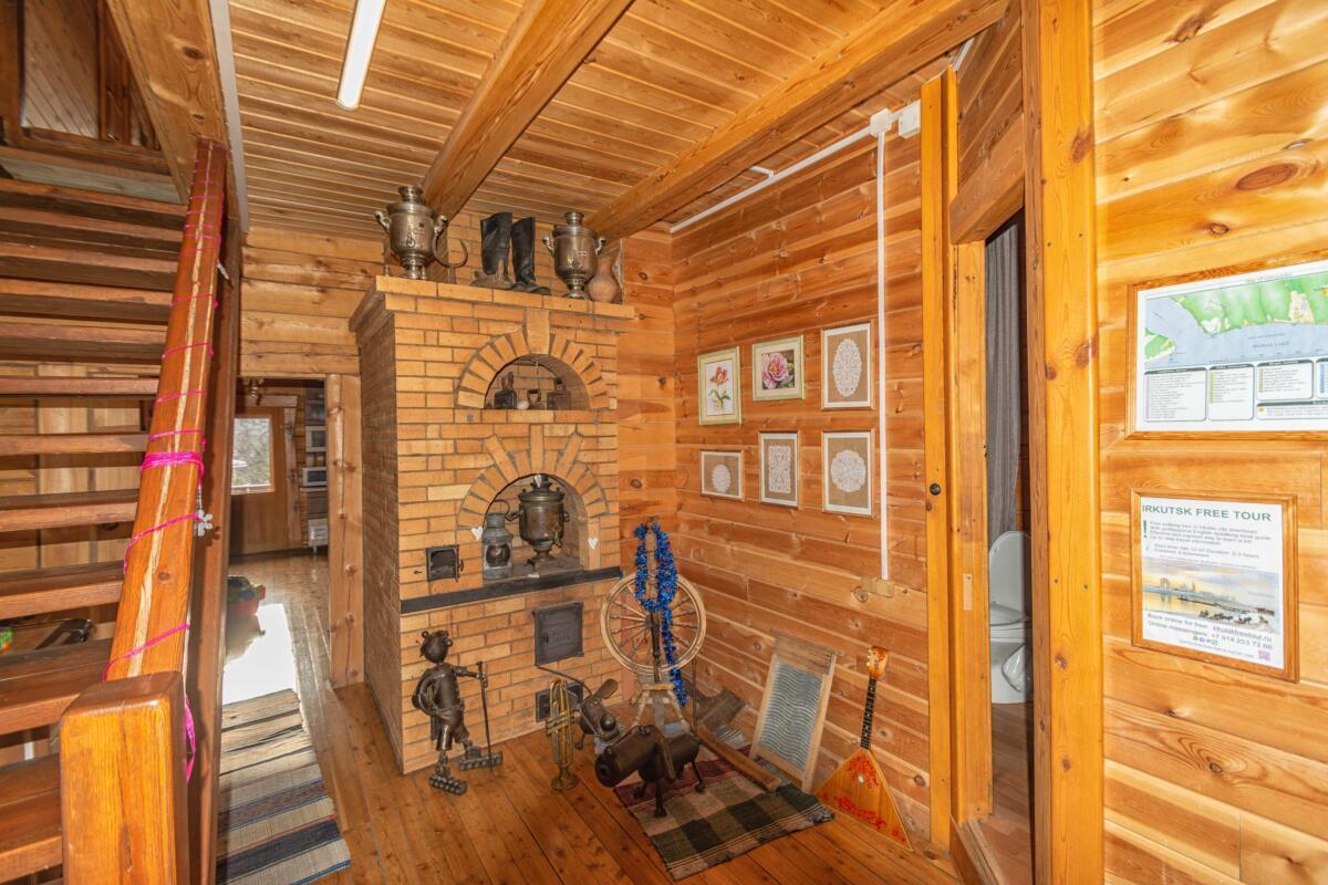 Внутренняя обстановка одного из недорогих гостевых домов в поселке Листвянка на Байкале