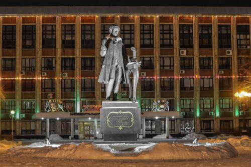 Барнаул памятник И.И, Ползунову