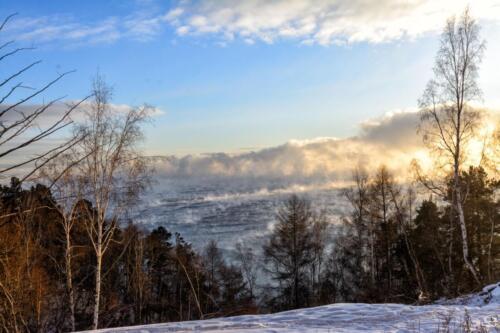 Раннее утро на Байкале в январе