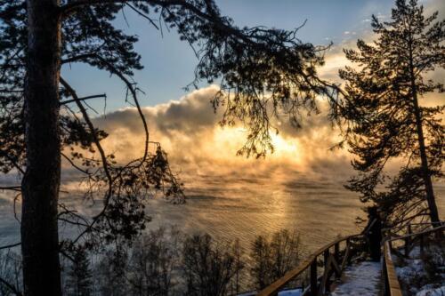 Закат на южном Байкале с наблюдательной площадки над Лимнологическим музеем