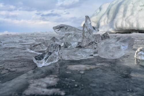 Прозрачный Байкальский лед