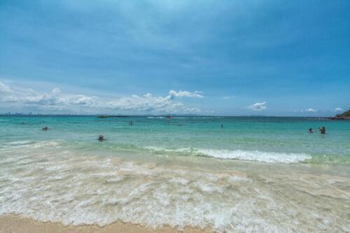 Пляж на острове Лан в Сиамском заливе