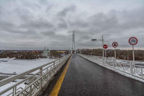 Пешеходный поющий мост Тюмень